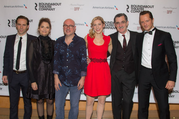 <p>The stars of the show with their director, Lindsay Posner.</p><br />(© Seth Walters)