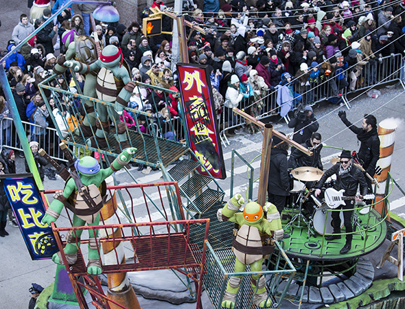 <p>The Teenage Mutant Ninja Turtles are joined by Fallout Boy on the back of this float.</p><br />(© David Gordon)