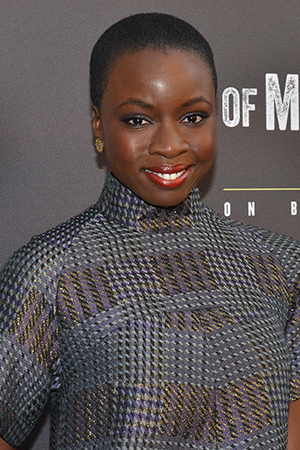 <p><em>The Walking Dead</em> star Danai Gurira poses for photos before the show.</p><br />(© David Gordon)