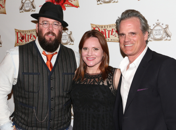 <p>Broadway&#39&#x3B;s Chris Sullivan, Jennifer Laura Thompson, and Michael Park pal around before the show.</p><br />(© David Gordon)
