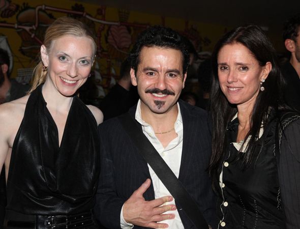 <p>Tina Benko (Titania) and Max Casella (Bottom) join their director, Julie Taymor, for the celebration.</p><br />(© Gerry Goodstein)
