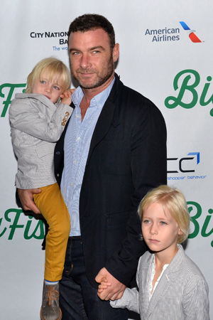 <p>Tony Award winner Liev Schreiber brings along his sons, Samuel and Alexander (standing).</p><br />(© David Gordon)