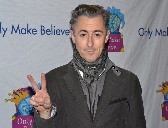<p>Tony winner Alan Cumming flashes us the peace sign.</p><br />(© David Gordon)