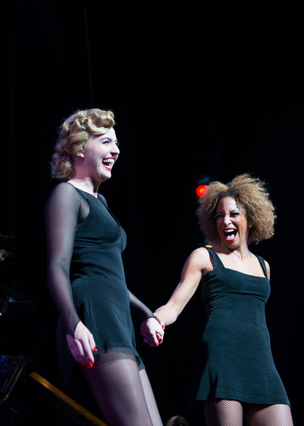 <p>Veronica Dunne (Roxie Hart) takes a bow alongside Lana Gordon, who plays Velma Kelly.</p><br />(© Allison Stock)
