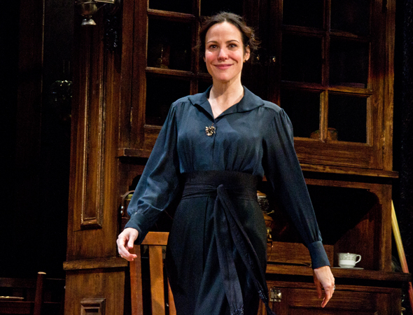 <p>Welcome back to Broadway, Mary-Louise!</p><br />(© David Gordon)