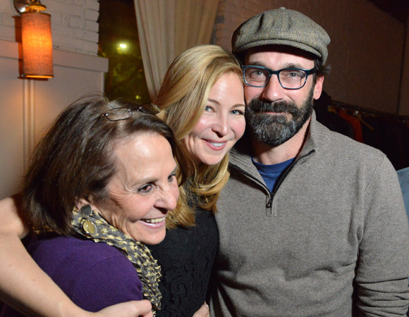 <p>Westfeldt (center) enjoys the evening with her mother Connie Perelson and boyfriend Jon Hamm. </p><br />(© Josh Reynolds)