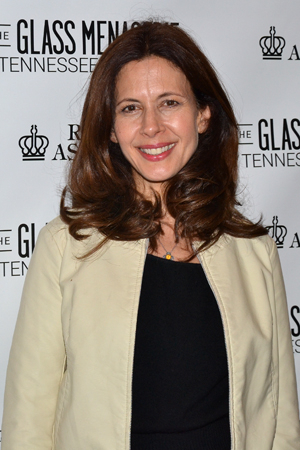 <p>When will Jessica Hecht get her shot at playing Amanda Wingfield?</p><br />(© David Gordon)