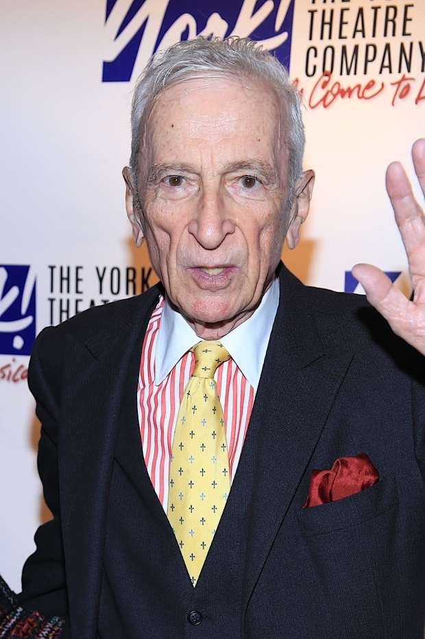 <p>Writer Gay Talese waves to photographers.</p><br />(© Tricia Baron)