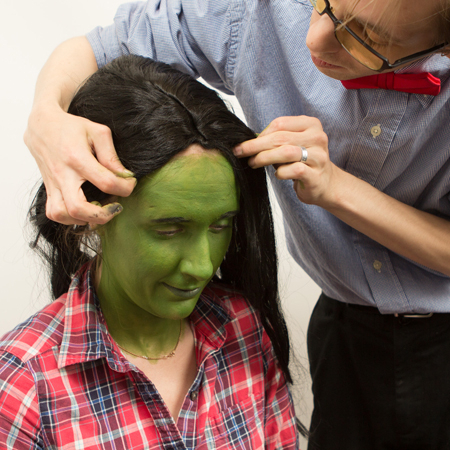 <p>You'll want to bring the wig forward so that the hairline covers the edge of the green.</p><br />(© Tristan Fuge)