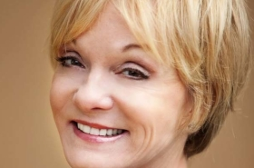 Cathy Rigby to Star in Kris Kringle the Musical