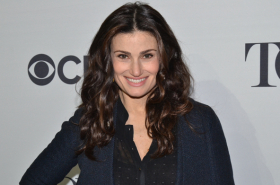 Idina Menzel to Star in Remake of Beaches