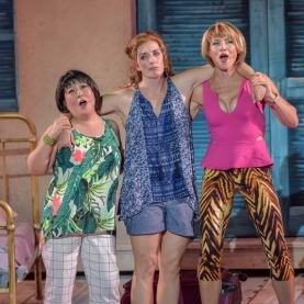 Julia Murney and Justin Guarini Star in <em>Mamma Mia!</em>