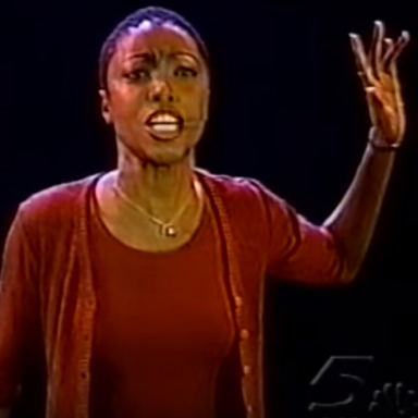 Flashback Friday: Rosie O'Donnell Predicts a Tony Award for Heather Headley