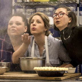 <em>Waitress</em> Star Jessie Mueller Wouldn't Tweet This Article Even If She Could