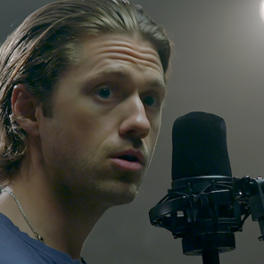 "<em>Wicked</em> Heads Back <em>Out of Oz</em> With Aaron Tveit Singing ""Popular"""