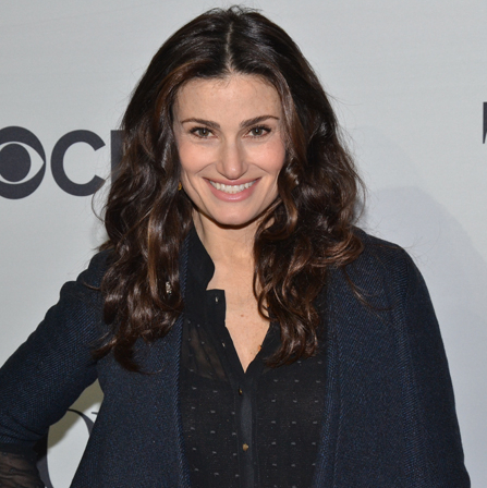 Idina Menzel to Star in Remake of <em>Beaches</em>