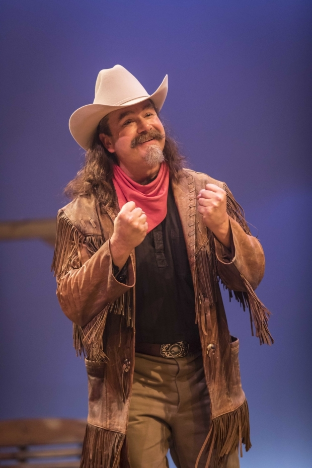 <p> Nicolas Colicos (Buffalo Bill) in <em>Annie Get Your Gun</em></p><br />© Johan Persson