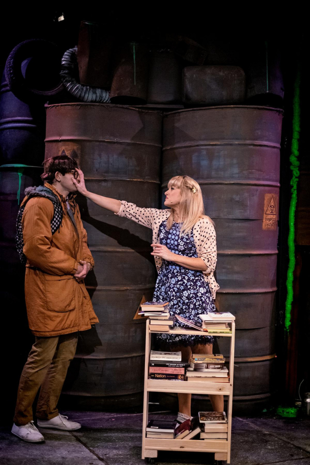 <p>Mark Anderson as Melvin Ferd The Third and Hannah Grover as Sarah</p><br />© Claire Bilyard