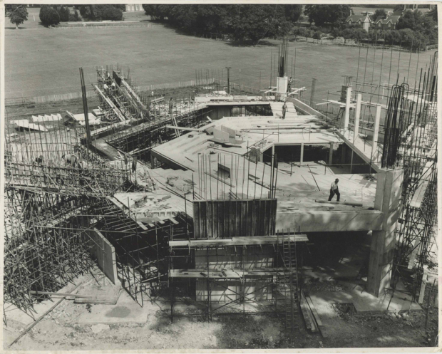 <p>Chichester Festival Theatre being built in 1960s</p>