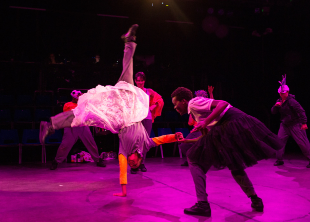 <p>Leah Harvey (Miranda), Sheila Atim (Ferdinand) and Company in <em>The Tempest </em></p><br />© Helen Maybanks