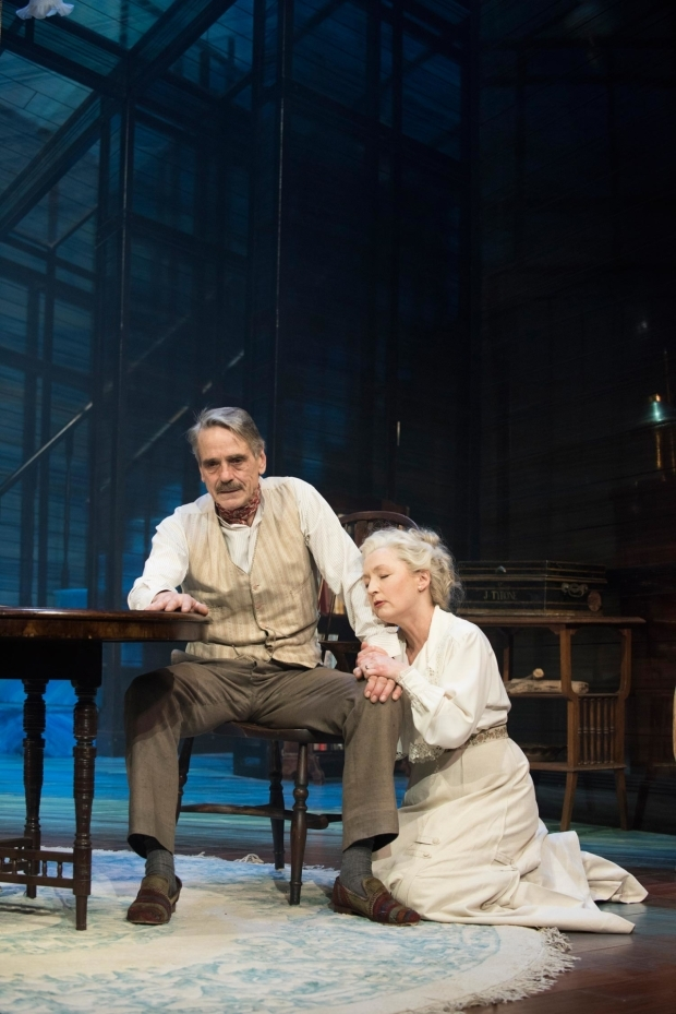 <p>Jeremy Irons as James Tyrone and Lesley Manville as Mary Tyrone in <em>Long Day&#39&#x3B;s Journey Into Night</em></p><br />© Hugo Glendinning