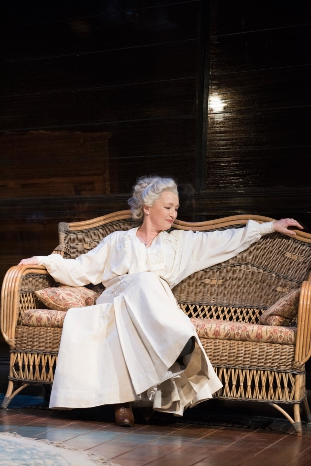 <p>Lesley Manville as Mary Tyrone in <em>Long Day&#39&#x3B;s Journey Into Night</em></p><br />© Hugo Glendinning