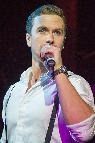 <p>Richard Fleeshman</p>