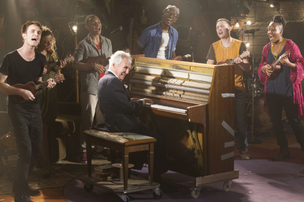 <p>Burt Bacharach and members of the cast</p><br />© Dan Wooller for WhatsOnStage