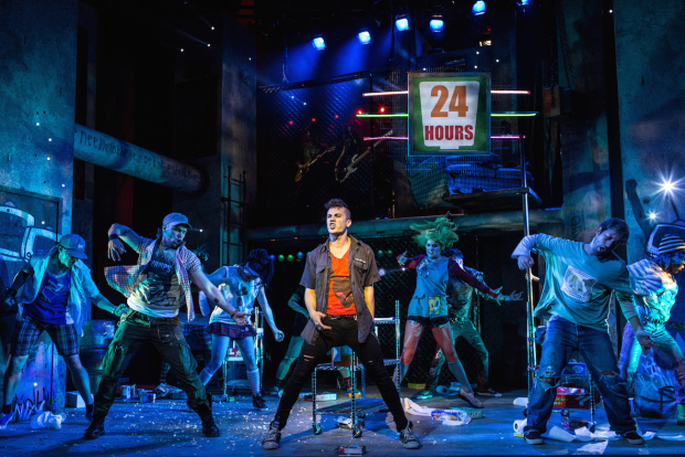 <p>Aaron Sidwell and the cast of <em>American Idiot</em></p><br />© Darren Bell