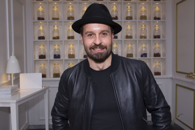<p>Alfie Boe (Billy Bigelow)</p><br />© Dan Wooller for WhatsOnStage