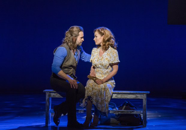 <p>Alfie Boe (Billy Bigelow) and Katherine Jenkins (Julie Jordan) in <em>Carousel</em></p><br />©Tristram Kenton