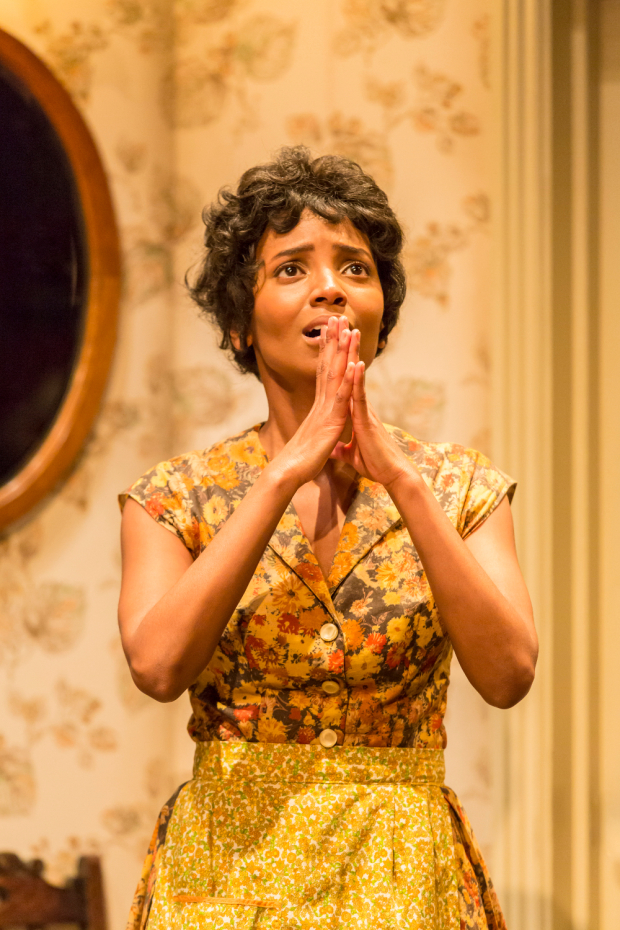 <p>Alisha Bailey as Ruth Younger in <em>A Raisin in the Sun</em></p><br />© JOHAN PERSSON