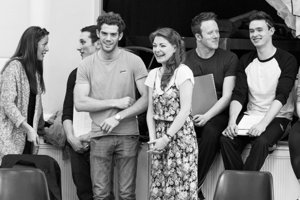 <p>Alistair Brammer, Laura Pitt-Pulford and the cast of <em>Follies</em></p><br />© Darren Bell