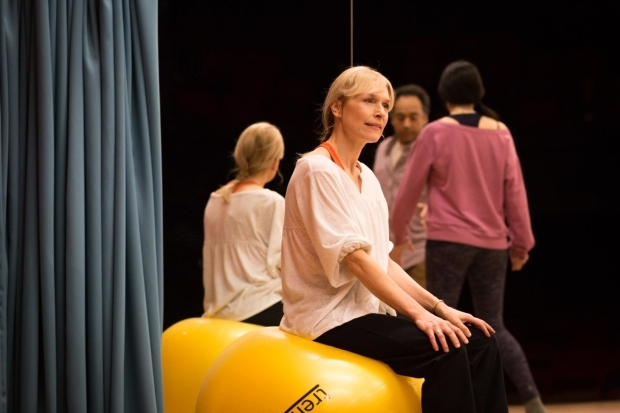 <p>Amelia Bullmore (Marty, foreground), Sian Clifford (Theresa), and Anthony Ofoegbu (James) in <em>Circle Mirror Transformation</em></p><br />© Marc Brenner