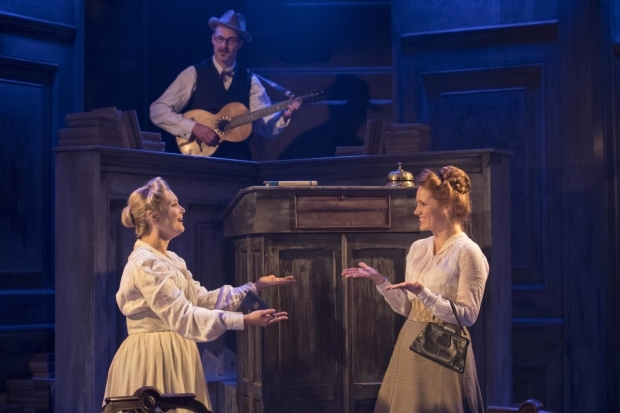 <p>Amy Morgan (Gwendolen), Peter McDonald (James Joyce), Clare Foster (Cecily) in <em>Travesties</em></p><br />© Johan Persson