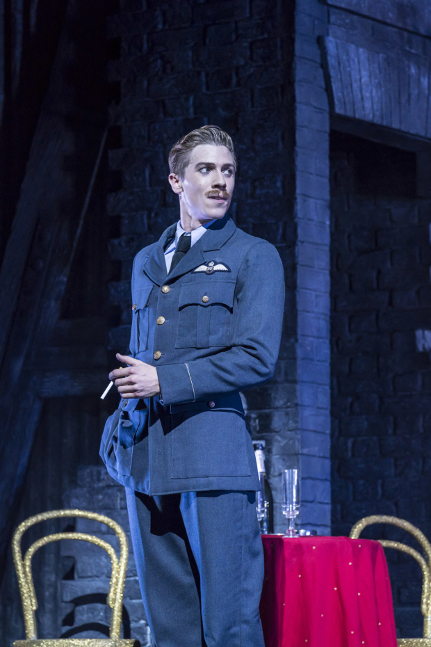 <p>Andrew Monaghan as Harry</p><br />© Johan Persson