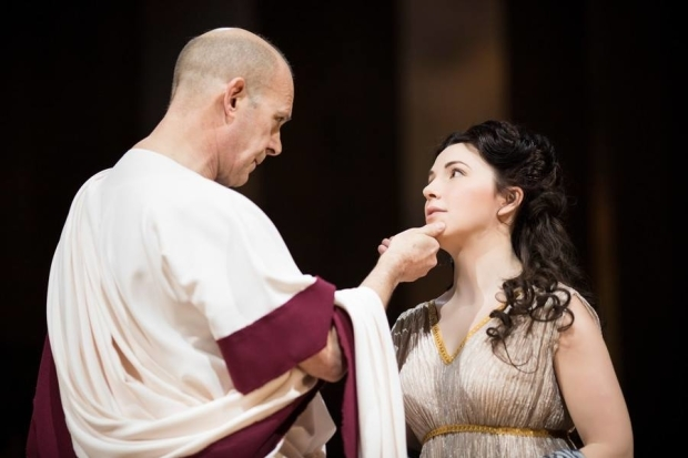 <p>Andrew Woodall as Julius Caesar and Kristin Atherton as Calphurnia</p><br />© Helen Maybanks