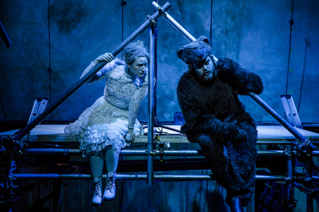 <p>Becky Wilkie as Snow Angel and Tom Penn as Bear</p><br />© The Other Richard