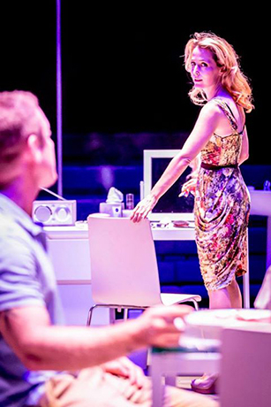 <p>Ben Foster &amp&#x3B; Gillian Anderson in <em>A Streetcar Named Desire</em> at the Young Vic</p><br />© Johan Persson