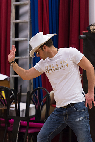 <p>Ben Richards (Stacee Jaxx)  in rehearsal for <em>Rock of Ages The Musical</em> UK Tour</p><br />© Manuel Harlan