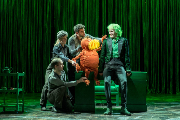 <p>Ben Thompson (Puppeteer) Laura Cubitt (Puppeteer) Simon Lipkin (Puppeteer) and Simon Paisley Day (Once-Ler) -  <em>The Lorax</em></p><br />© Manuel Harlan.