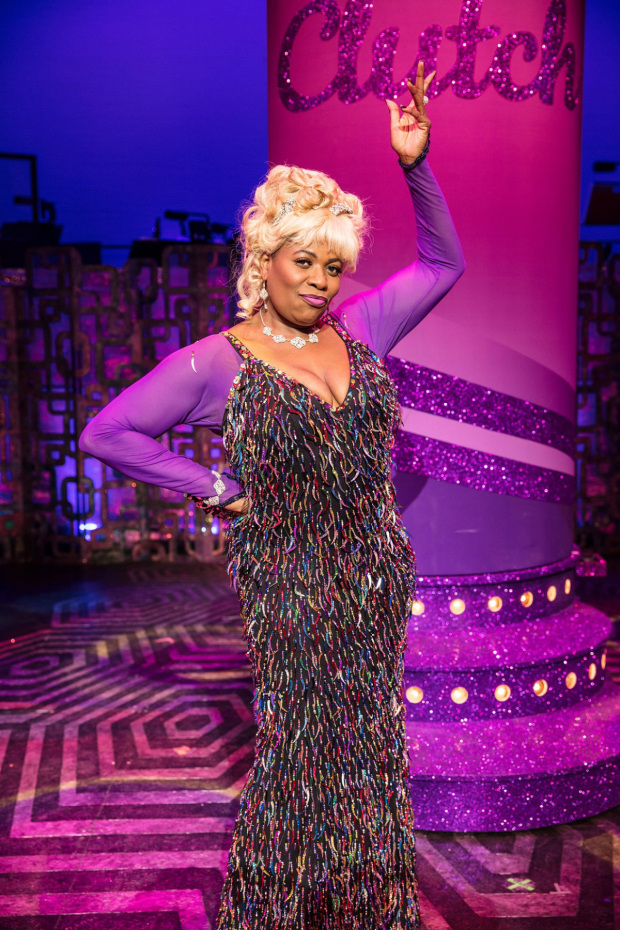<p>Brenda Edwards as Motormouth Maybelle in <em>Hairspray</em></p><br />© Darren Bell