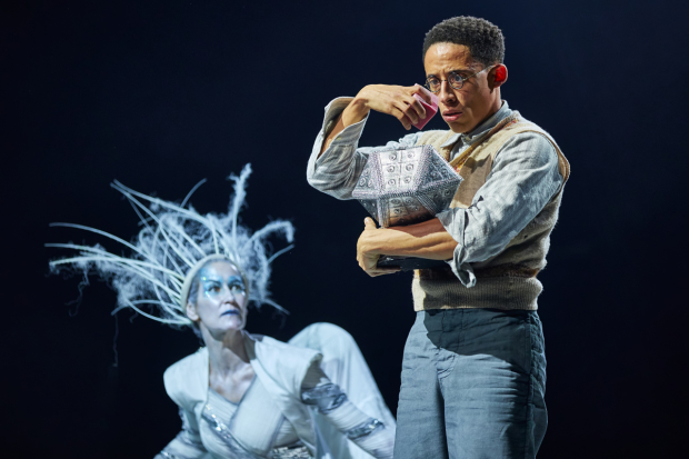 <p>Carla Mendonça as the White Witch and John Leader as Edmund</p><br />© Brinkhoff-Moegenburg
