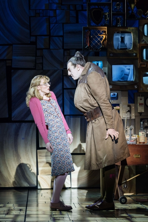 <p>Carly Thoms (Miss Honey) and Craige Els (Miss Trunchbull) </p><br />© Manuel Harlan