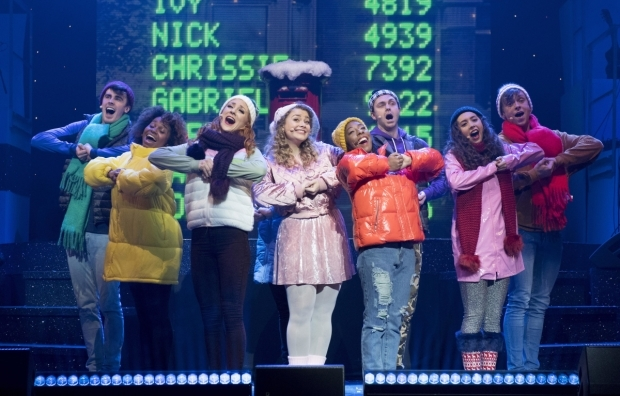 <p>Carrie Hope Fletcher (Brenda Payne) and the ensemble</p><br />© Alastair Muir
