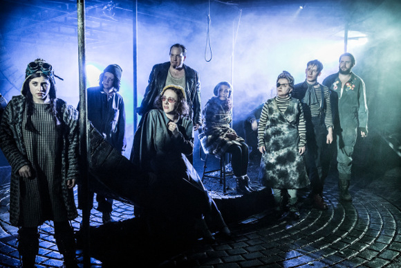 <p>Cast of <em>Urinetown</em></p><br />© Johan Persson