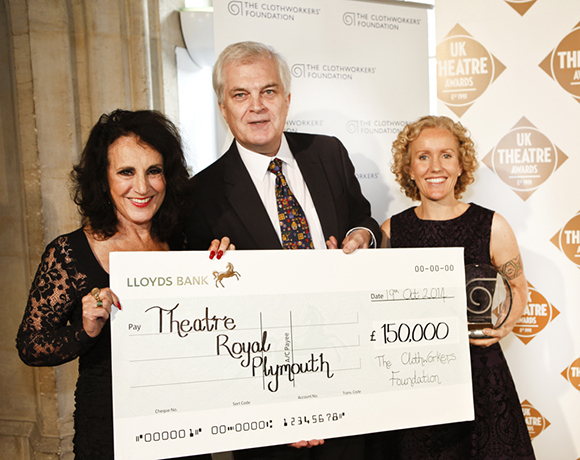 <p>Clockworkers&#39&#x3B; Award presented by Lesley Joseph - Theatre Toyal Plymouth </p><br />© Pamela Raith