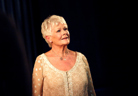 <p>Dame Judi Dench giving a speech as Cleopatra in <em>Antony and Cleopatra</em> (which she originally played at the NT in 1987 opposite Anthony Hopkins)</p><br />© Catherine Ashmore