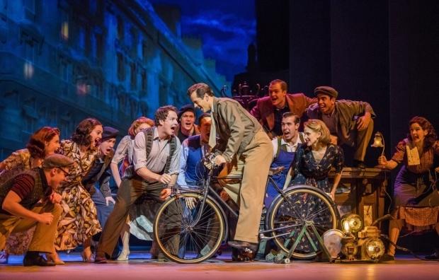 <p>David Seadon-Young and Robert Fairchild, centre, with the cast of <em>An American in Paris</em></p><br />© Tristram Kenton