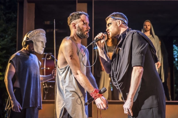 <p>Declan Bennett (Jesus) and David Thaxton (Pilate)</p><br />© Johan Persson